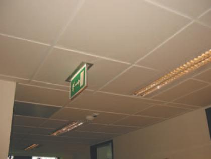 Oprawy oświetlenia awaryjnego i ewakuacyjnego