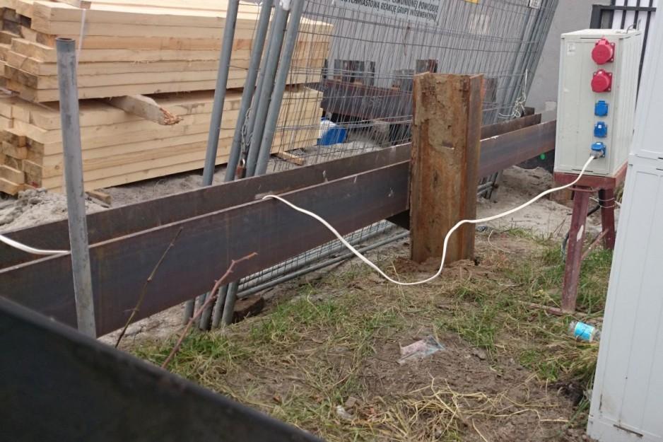 Prowadzenie instalacji na budowie