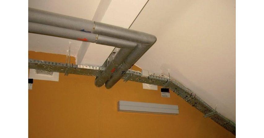 Prowadzenie instalacji elektrycznych przez przegrody budowlane iwybrane sposoby łączenia kabli iprzewodów