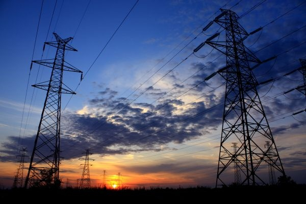 Wzajemne sytuowanie sieci elektroenergetycznych i niektórych budowli (część 2.)