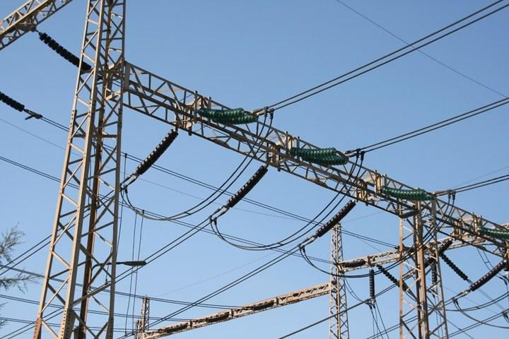 Zasilanie budynków użyteczności publicznej oraz budynków mieszkalnych w energię elektryczną (część 1.) - zasady obliczania mocy zapotrzebowanej