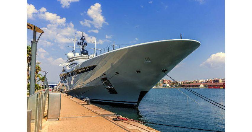 Nabrzeża wportach jachtowych – wymagania wzakresie instalacji elektrycznych niskiego napięcia