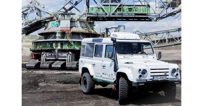 Elektryczne terenówki w kopalni odkrywkowej