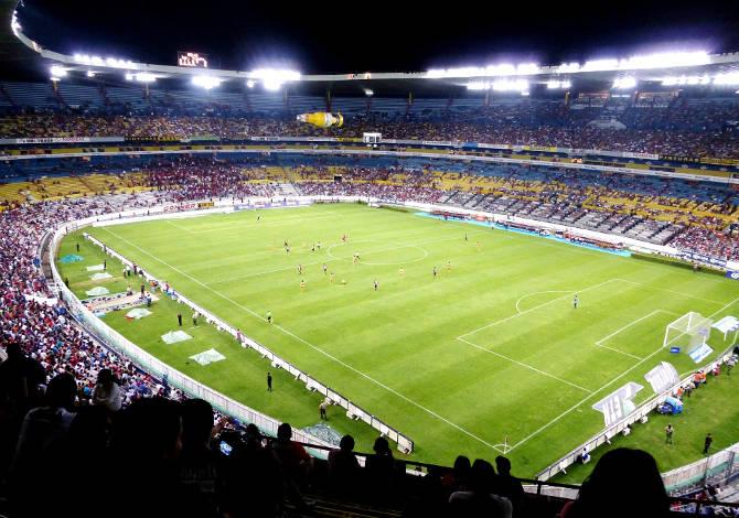 Oświetlenie boisk piłkarskich zgodnie zwymaganiami klas oświetleniowych definiowanych normą PN-EN 12193