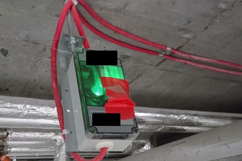 Zaklejony detektor