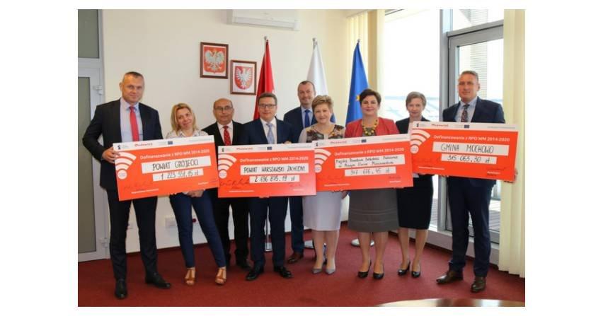 Mazowsze otrzymało dotację na zastosowanie fotowoltaiki i kolektorów słonecznych