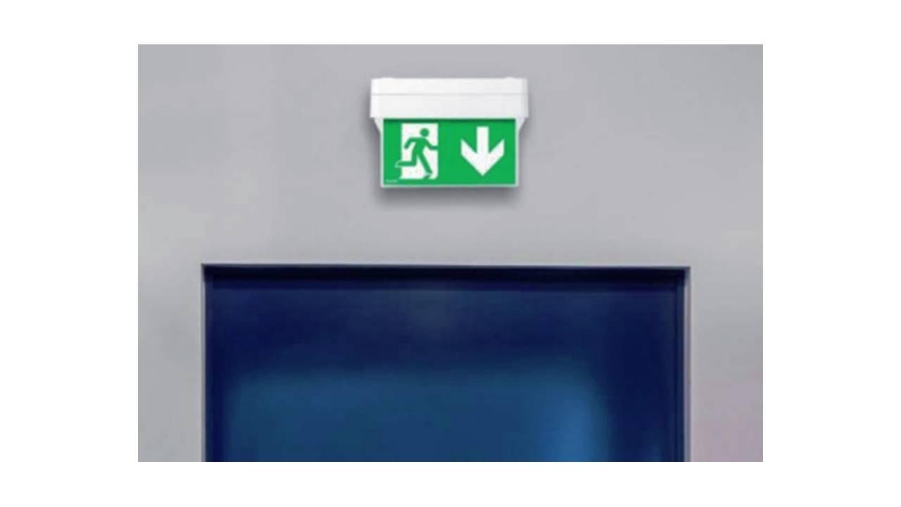 Oświetlenie awaryjne wświetle wymagań normy PN-EN 50172:2005 Systemy awaryjnego oświetlenia ewakuacyjnego