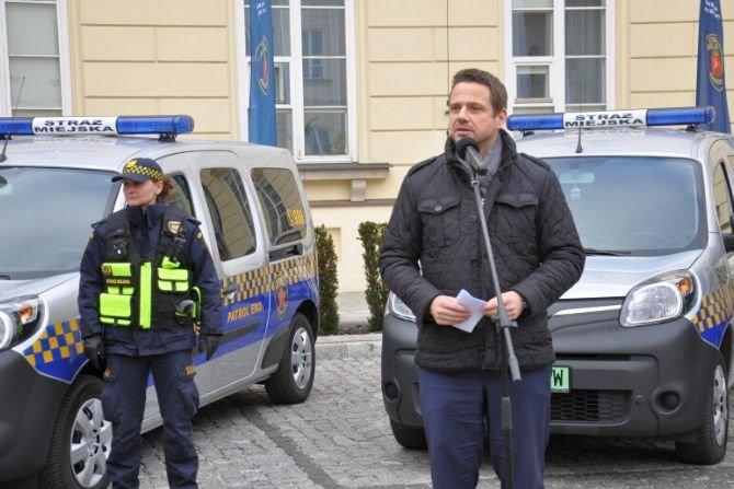 Samochody elektryczne dla warszawskiej straży miejskiej
