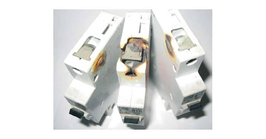 Kontrole i sprawdzenia okresowe instalacji elektrycznych w obiektach budowlanych (część 1)