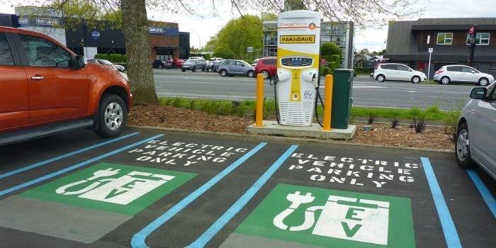 Samorządy stawiają na elektromobilność