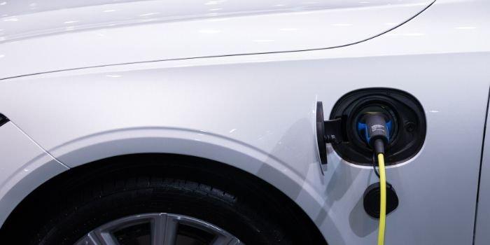Energa będzie mieć większą sieć ładowania pojazdów EV o oświetlenie uliczne