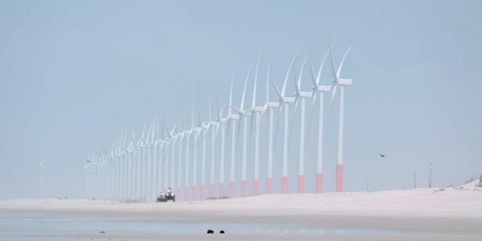 Pierwsza turbina na farmie wiatrowej na morzu Borssele