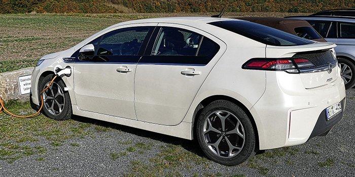 Jaka była sprzedaż samochodów EV w I kw. 2020?