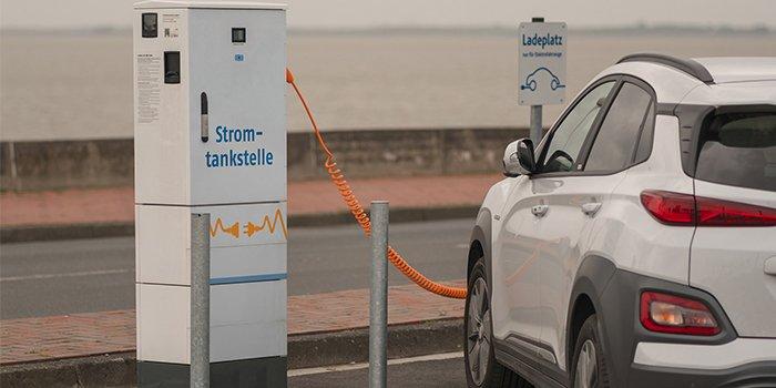 150 stacji ładowania samochodów EV w Łodzi