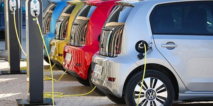 Polacy są za dopłatami do samochodów elektrycznych