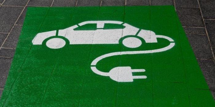 Polacy coraz chętniej wybierają samochody elektryczne