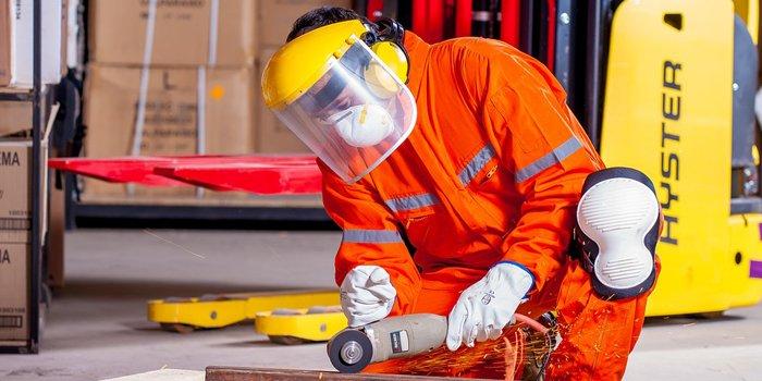 Środki ochrony  indywidualnej  dla pracowników elektroinstalacyjnych