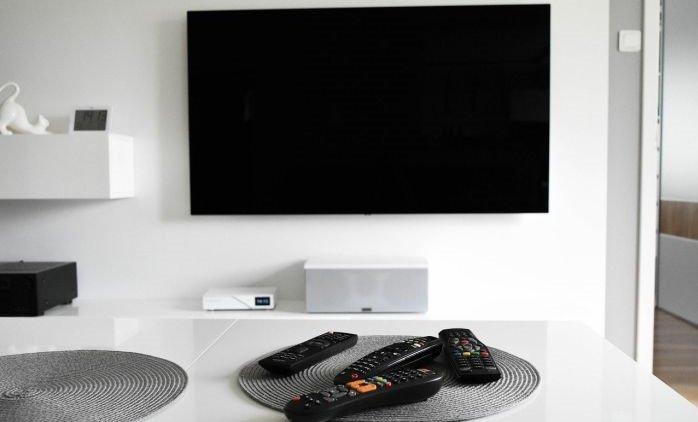 Czym charakteryzują się telewizory QLED?
