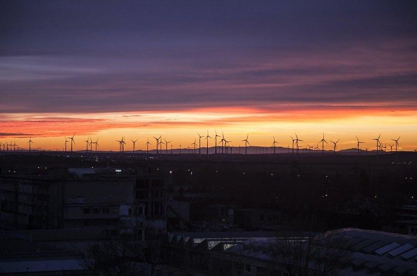 Podczas pandemii rośnie udział OZE w miksie energetycznym w UE i Polsce