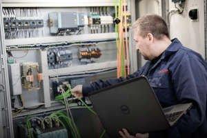 Praca automatyka – wyzwania, możliwości i kompetencje »