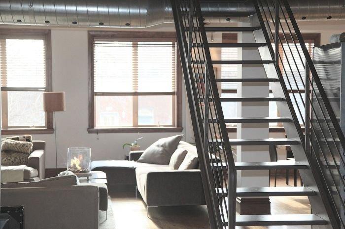 Oświetlone schody – jak wybrać odpowiednie lampy?
