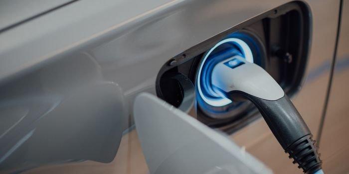 EKOEN otworzy 100 stacji szybkiego ładowania EV