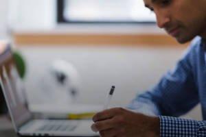 Jak monitorować zdalnie pracę UPSów i serwerów?