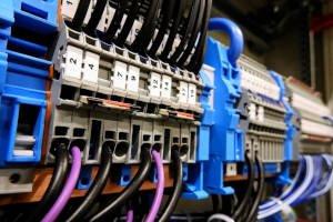 Rozdzielnice: Aparatura łączeniowa - wyłączniki i rozłączniki mocy »