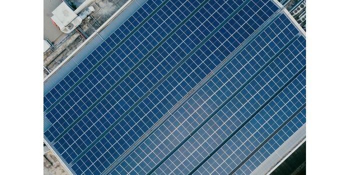 Jedna z największych dachowych instalacji PV powstaje w Brześciu Kujawskim