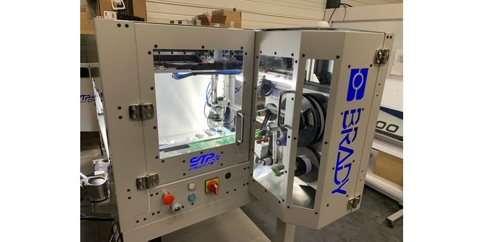 Brady A8500 Flexcell – automatyczne drukowanie i umieszczanie etykiet