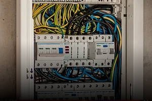 Sprawdź konfigurator osprzętu elektroinstalacyjnego online »