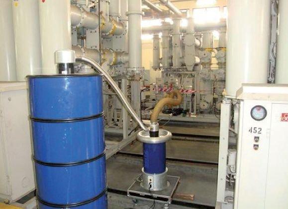 Rys. 14.   Próba okresowa linii kablowej znajdującej się w eksploatacji od 30 lat. Linia XLPE na napięcie 66 kV o długości 2,2 km. System pomiarowy OWTS HV250 jest podłączony do jednej z faz linii kablowej