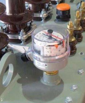 Fot. 2. Termometr umożliwiający pomiar temperatury wewnątrz kadzi transformatora