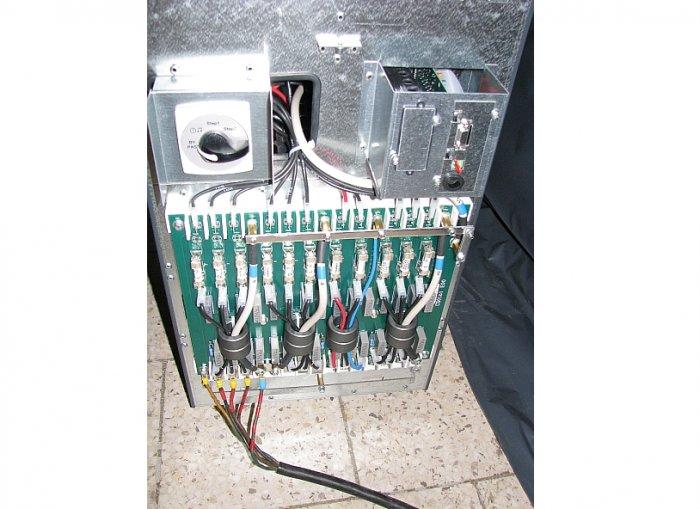 Fot.1. Układy wejściowe zasilacza UPS o mocy 100kVA