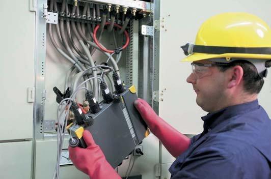 Fot. 1. Instalacja w rozdzielnicy rejestratora jakości energii elektrycznej