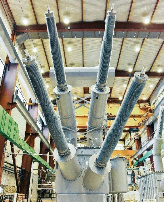 Transformator mocy o napięciu znamionowym 600 kV dla firmy ABB opracowującej projekt Rio Madeira w Brazylii [2]