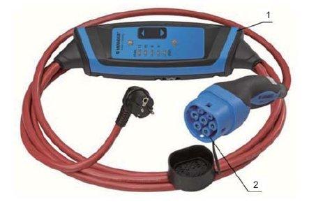 Fot.1. Przewód służący do ładowania pojazdów w trybie 2 samochodu elektrycznego z regulacją wartości prądu ładowania, gdzie: 1 – wbudowany w przewód układ sterujący, 2 – gniazdo wtyczkowe z dodatkowym stykiem [15]