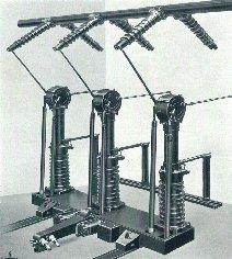 Rys.2. Wyłącznik wnętrzowy ekspansyjny typu R622 (T) g 132kV/8,7kA z dwoma kompletami odłączników dla podwójnego systemu szyn zbiorczych