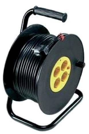 Fot. 1.  Bęben przewodowy stanowiący jednocześnie przedłużacz do przyłączania ręcznych odbiorników energii elektrycznej