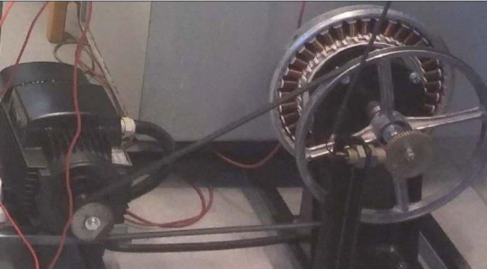 Rys. 2. Model prądnicy uzyskanej z silnika Direct Drive, wraz z silnikiem napędowym, widok z boku