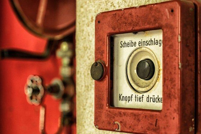 Zasilanie urządzeń pożarowych wg normy 12101-10