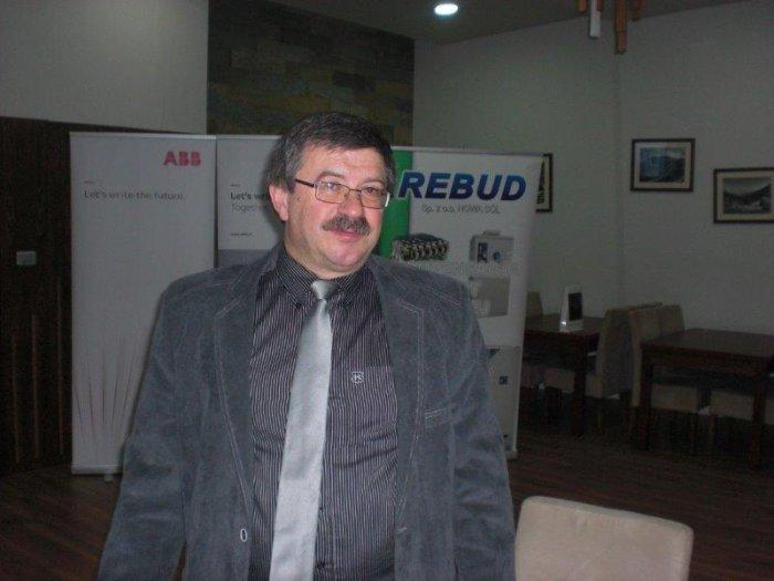 Kierownik studiów dr inż. Kazimierz Herlender zapowiada kolejny wykład.
