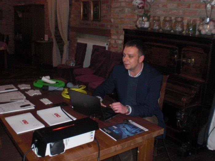 Ładowanie pojazdów elektrycznych omawia Krzysztof Zamożny.