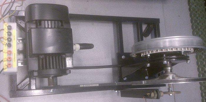Rys. 8.  Prądnica wolnobieżna z silnikiem napędzającym, wykorzystana do badań; rys. B. Karolewski, D. Wysocki