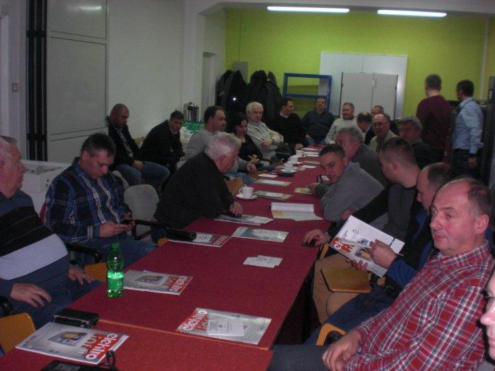 Uczestnicy spotkania firmowego podczas zajęć dydaktyczych