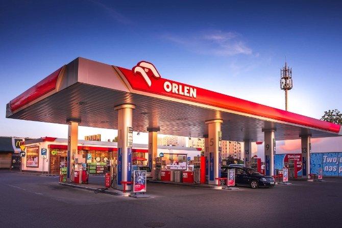 Projekt dostaw stacji szybkiego ładowania na ORLEN-ie Fot. ABB