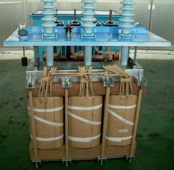 Prototyp transformatora zrdzeniem amorficznym testowany wsieci hiszpańskiego operatora energetycznego ENDESA [9]