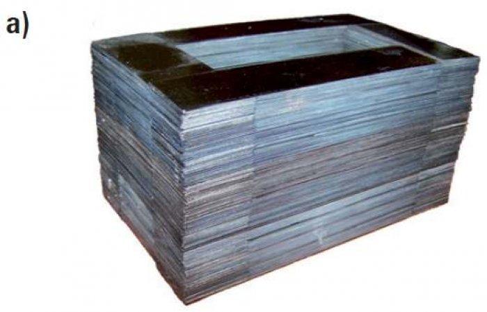 Rys. 4a. Rdzenie pakietowane z taśmy nanokrystalicznej (dane własne): przykład realizacji pojedynczego rdzenia pakietowanego naprzemiennie o masie ok. 6 kg [22]