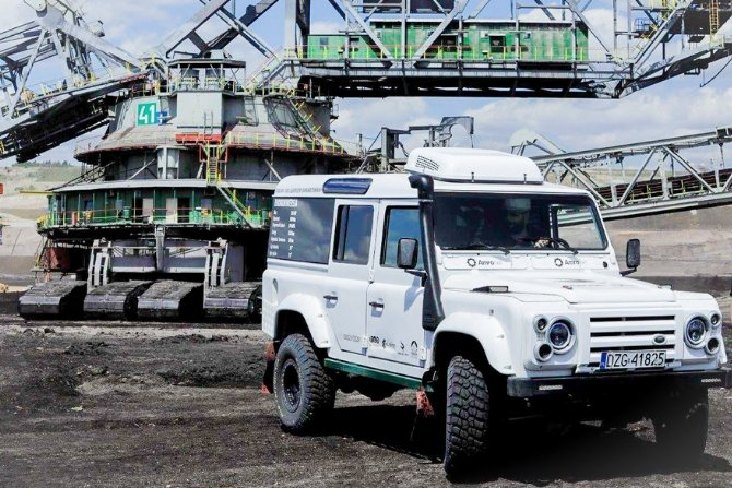 Elektryczna terenówka na bazie Landrovera Defender
