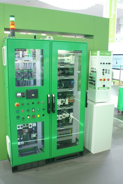 b hannover messe 2017 schneider electric 16 1